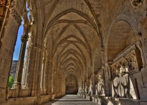 Una de les galeries del claustre de Santes Creus.